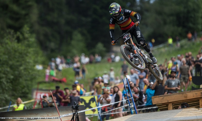 HART AND HANNAH REPEAT ON ROUGH DH TRACK AT CRANKWORX INNSBRUCK